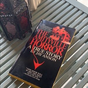 """Accents - Original 1977 Copy of """"The Amityville Horror"""" Book"""